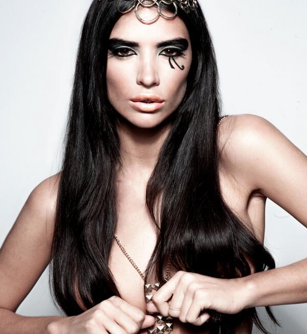 Beleza de Cleópatra ao seu alcance: Descubra como a babosa pode deixar sua pele mais jovem e saudável!